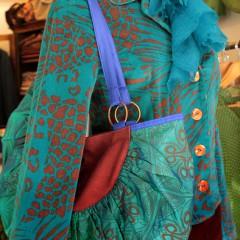 Camicia, borsa, foulard