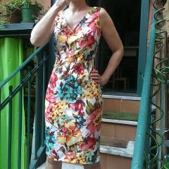 Vestito a tubino fantasia floreale